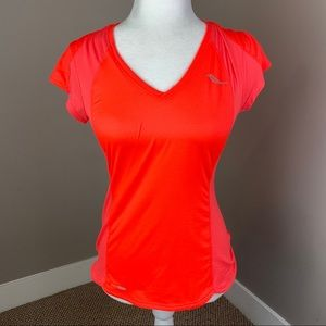 SAUCONY ORANGE CORAL SHORT SLEEVE RUNNING TEE